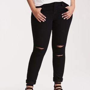 Torrid Classic Skinny Jean - Distressed Black Wash